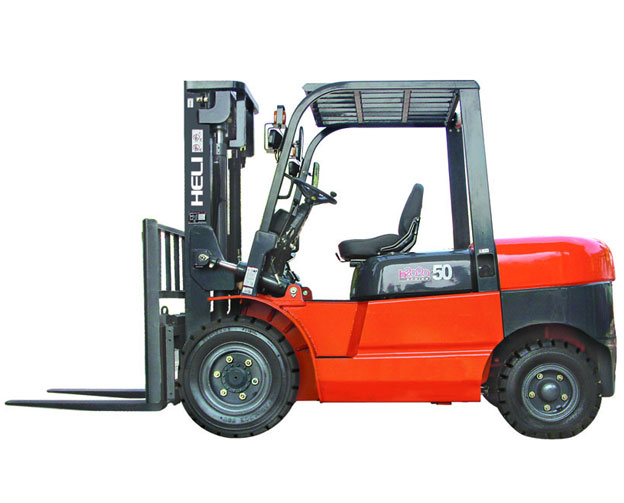 Diesel pneumatic Heli forklift with a capacity of 8,000 to 10,000 lbs